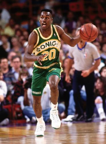 Payton spielte von 1990–2003 für die Sonics und hält die Franchise-Rekorde für Punkte, Assists und Steals.