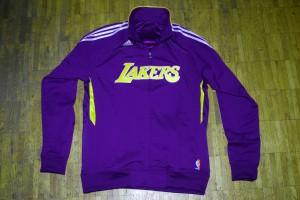 Diese Jacke ist das perfekte Weihnachtsgeschenk für jeden Lakers-Fan!