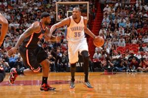 Im Duell der Superstars behielt Kevin Durant mit OKC die Oberhand, LeBron und Miami zogen den Kürzeren.