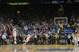 Game-Winner: Mit diesem Dreier entschied LeBron James 0,1 Sekunden vor Ende der Partie das Duell zwischen Miami und Golden State!