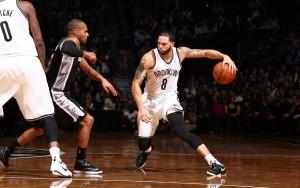 Deron Williams und Brooklyn konnten die schwach besetzten Spurs schlagen.