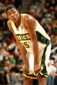 Kevin Durant kam nach einem Jahr (25,8 PPS und 11,1 REB) bei der University of Texas at Austin in die NBA.