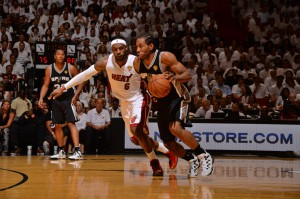 Kawhi Leonard erzielte mit 29 Punkten ein neues Career-High und führte seine Spurs zum Auswärtserfolg.