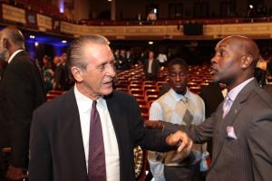 Kritikpunkt? Pat Riley hat Chris Bosh für die nächsten fünf Jahre in Miami gehalten – und zahlt dafür 118 Mio. Dollar!