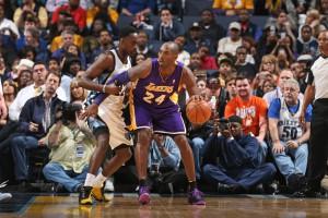 Kobe hatte sich große Verstärkungen erhofft. Nun ist Pau Gasol in Chicago und nur Rookie Julius Randle sowie Jeremy Lin und Carlos Boozer neu...  Foto: Getty Images