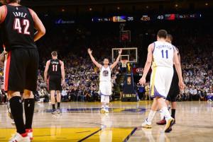 Stephen Curry bricht zum zweiten Mal den Dreier-Rekord (Foto: Getty Images)