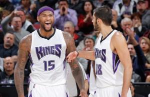 DeMarcus Cousins von den Sacramento Kings bejubelt einen Korb.