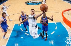 Justin Anderson von den Dallas Mavericks kommt im Spiel gegen die New York Knicks zum Korbleger.