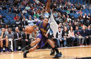 Bryce Dejean-Jones von den New Orleans Pelicans im Duell mit Andrew Wiggins von den Minnesota Timberwolves.