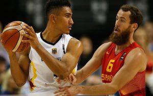 Maodo Lo bei der EM 2015 gegen den Spanier Sergio Rodriguez, Foto:getty images