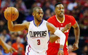 Die NBA-Spieler Chris Paul und Dwight Howard im direkten Duell.