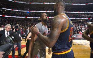Die Freunde LeBron James und Dwyane Wade gewannen gemeinsam zwei Meisterschaften mit den Miami Heat (Foto: Getty Images).