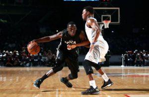 Victor Oladipo zieht im NBA Africa Game mit dem Ball zum Korb.