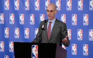 NBA-Comissioner Adam Silver bei einer Pressekonferenz.