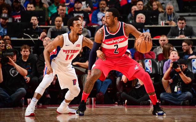 John Wall von den Washington Wizards im Duell mit einem Gegenspieler in der NBA.
