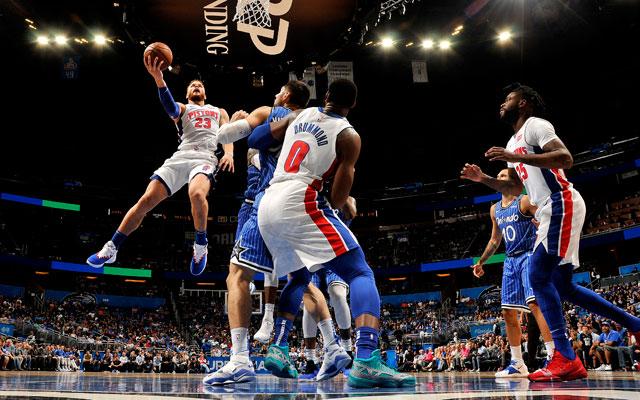 Blake Griffin von den Detroit Pistons beim Korbleger.