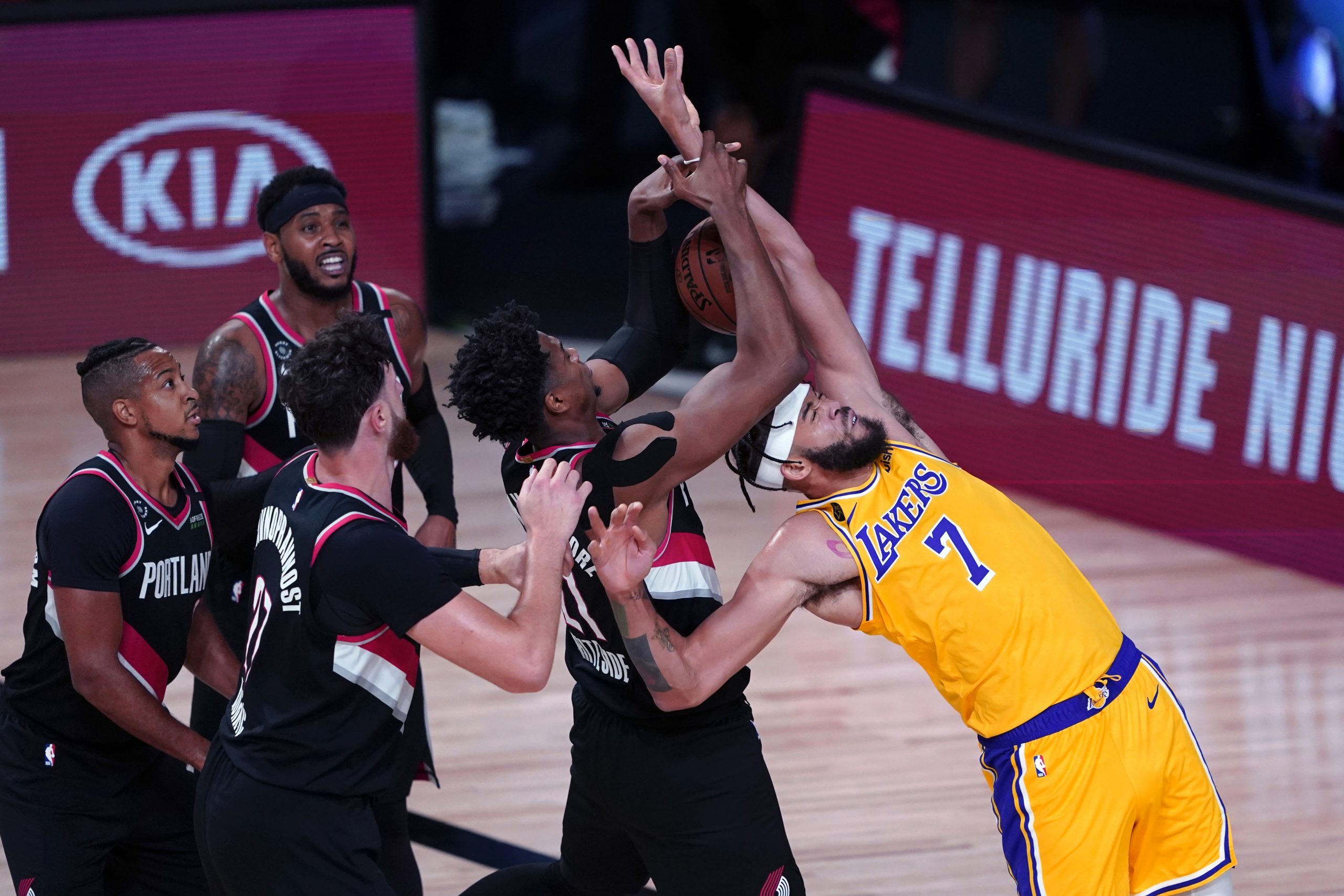 Lakers Blazers